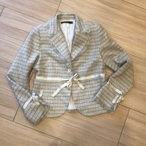 Hardly worn, laundry blazer with ribbon trim